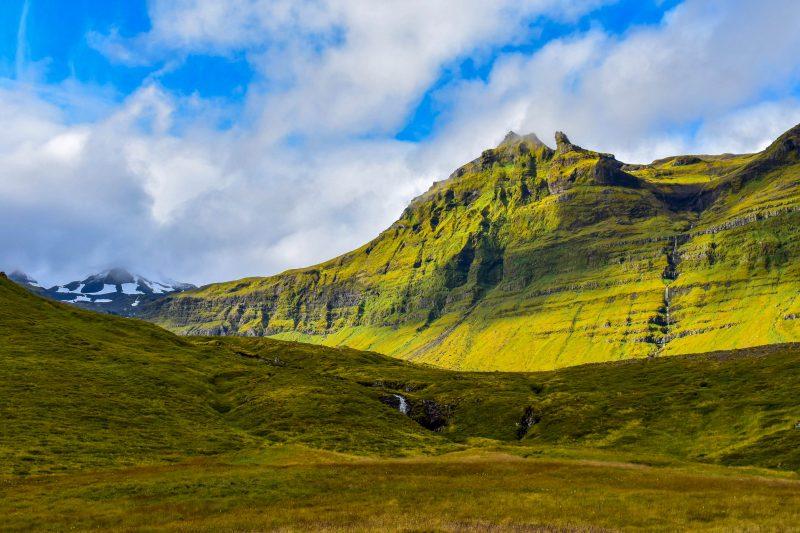 Kirkjufellfoss Mountain